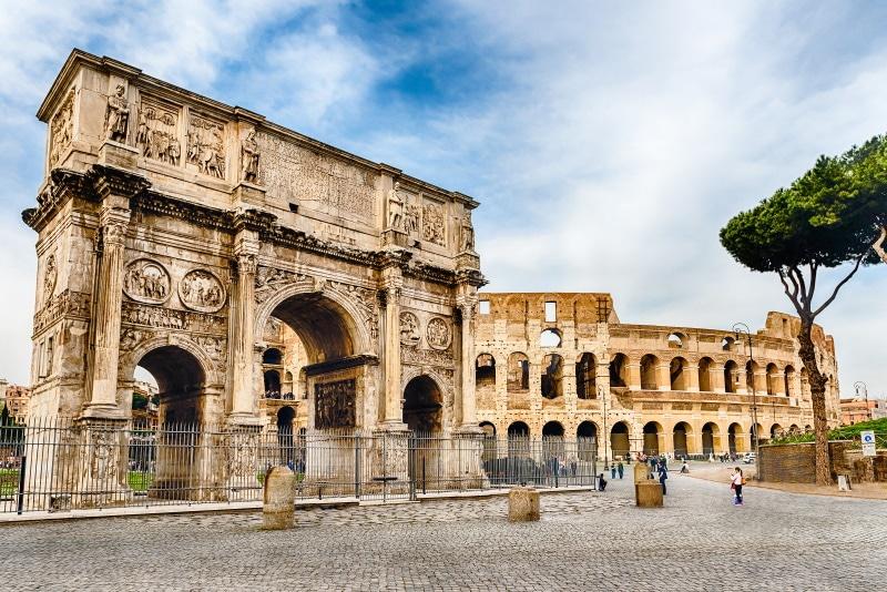 Conoce el Arco de Constantino, uno de los monumentos históricos de Roma