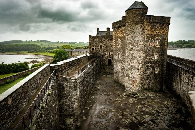 Castillo de Blackness y los lugares de rodaje de Outlander