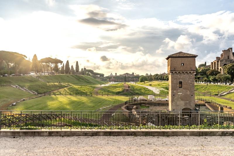 El Circo Massimo es uno de los monumentos históricos de Roma más importantes