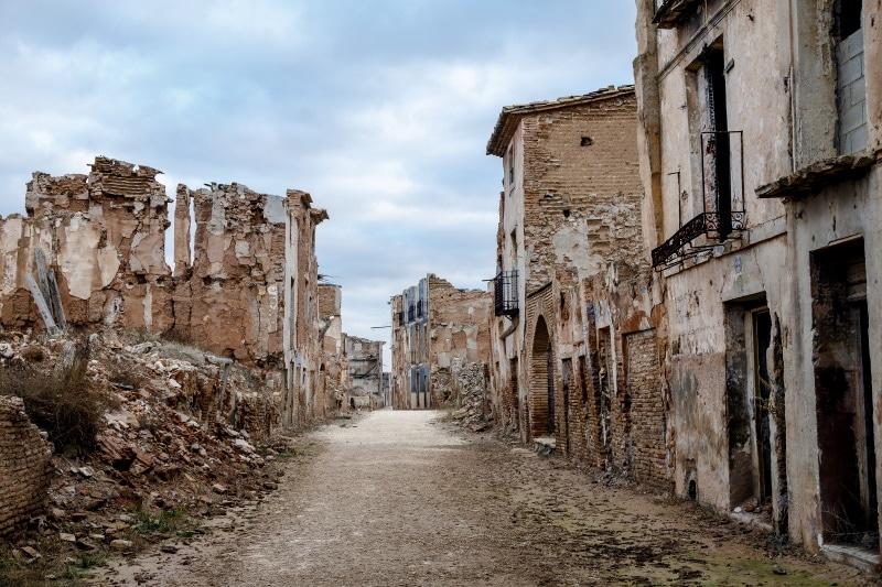 Belchite se ha convertido en un pueblo fantasma para visitar en Halloween