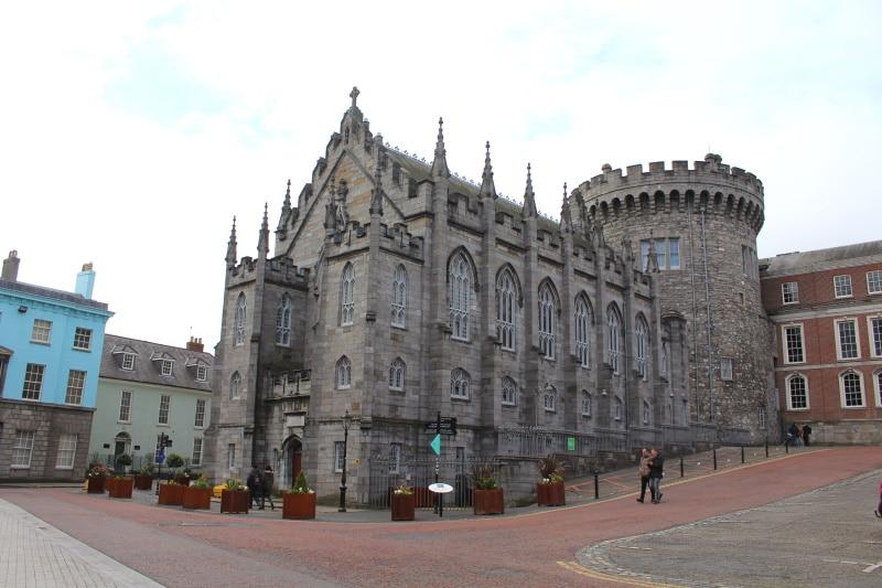 Castillo de Dublín es uno de los lugares turísticos más importantes