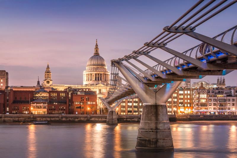 En Londres contamos con el Puente del Milenio