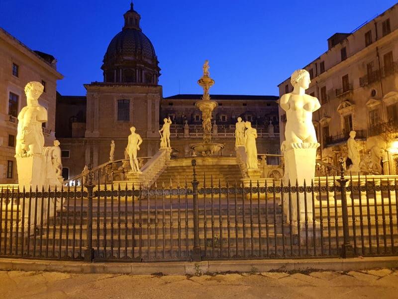 Fuente Pretoria, uno de los monumentos más bonitos de la capital siciliana