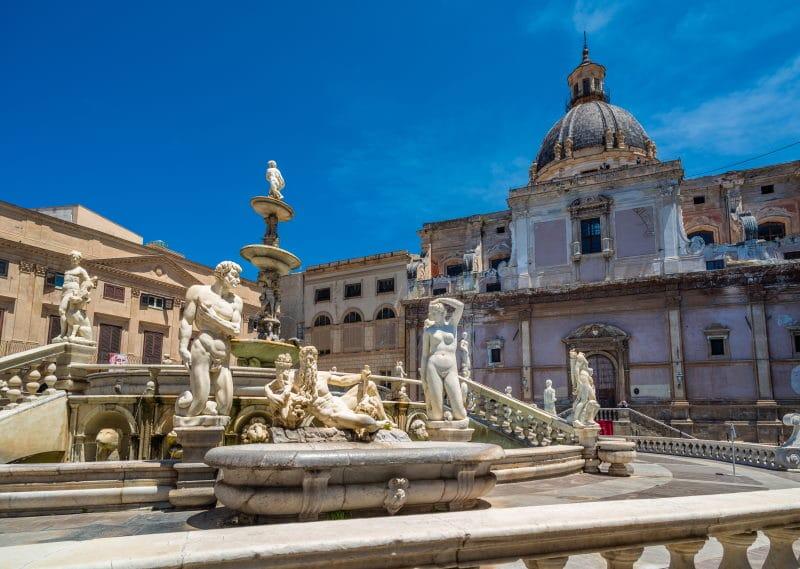 Visita la Fontana Pretoria en Palermo
