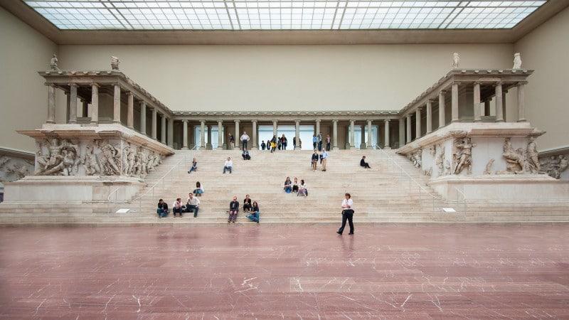 Descubre el Altar de Zeus en el Museo de Pérgamo