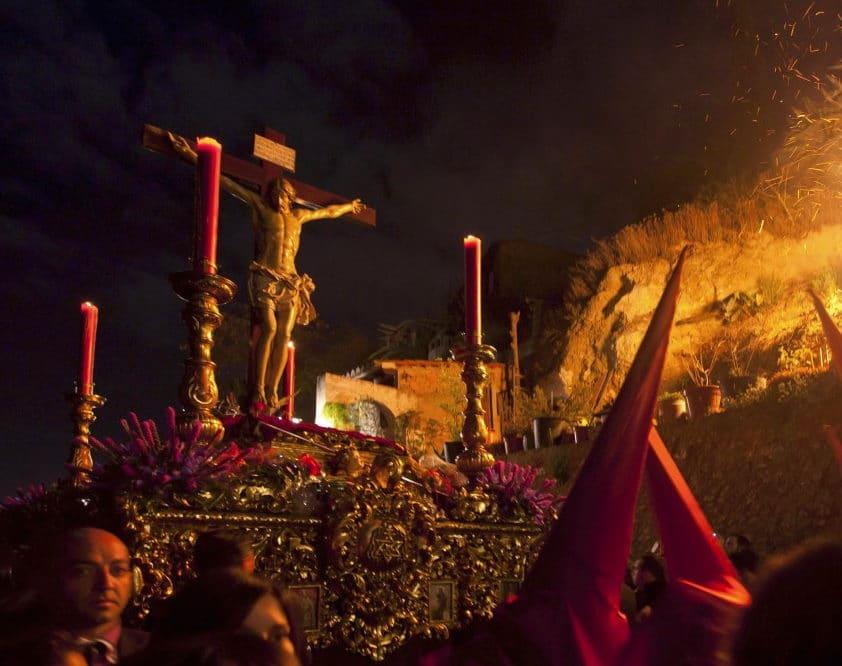 Uno de los lugares para visitar en Semana Santa más recomendados es Granada