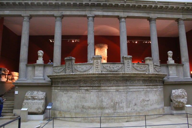 Visitar una de las mejores obras del Museo de Pérgamo