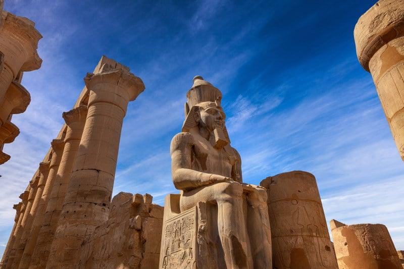Templo de Luxor, Ramsés II