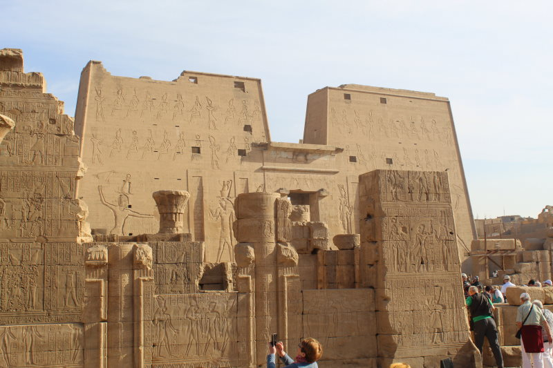 Exterior del Templo de Edfu