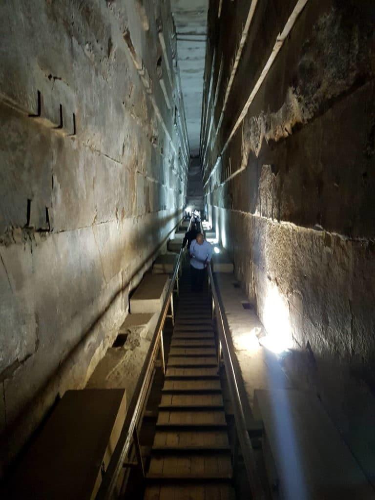 En el interior de las pirámides de Egipto