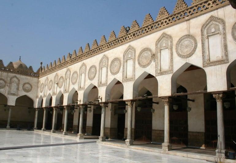 Descubre la Mezquita de Al-Azhar, uno de los lugares que visitar en El Cairo