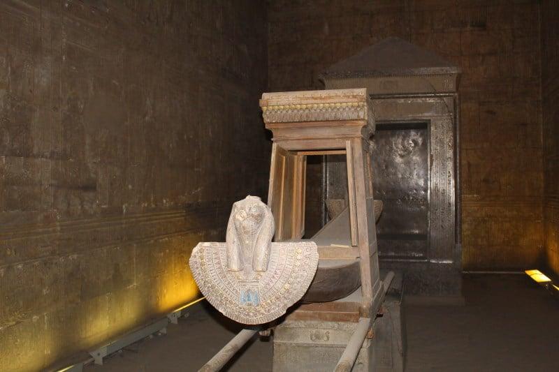 La barca ceremonial de Horus