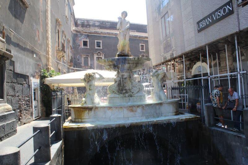 Conoce la Fontana dell'Amenano en Catania