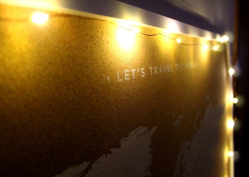 Decora tu mapamundi de corcho con luces LED