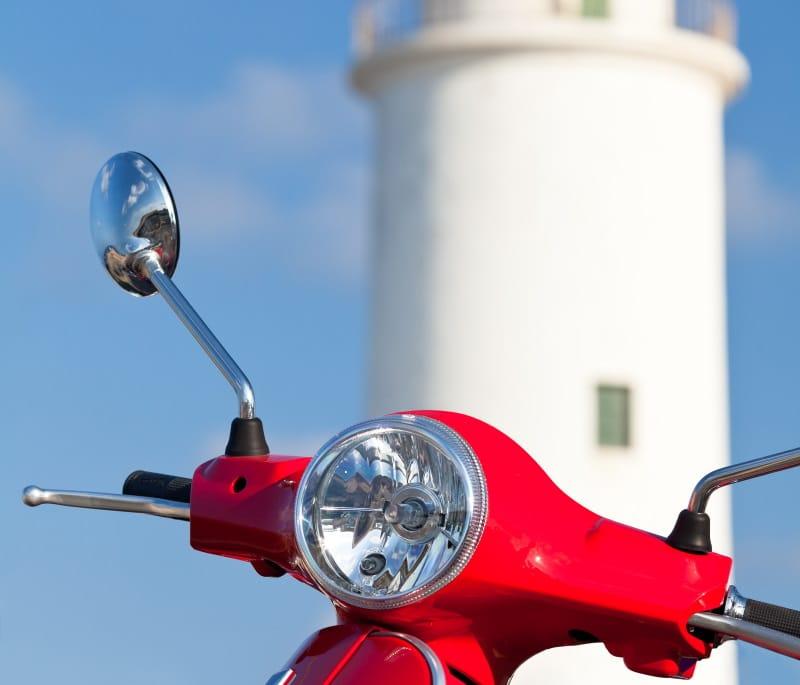 Alquilar en Formentera moto, coche o bicicleta