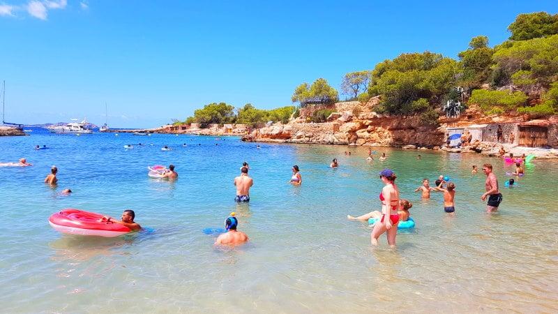 Visitas las mejores calas de Ibiza