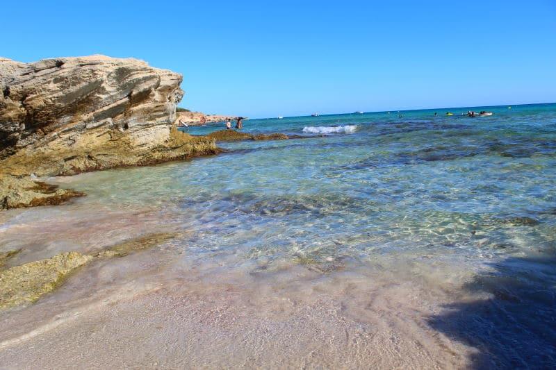 Caló des Mort es una de las mejores playas de Formentera
