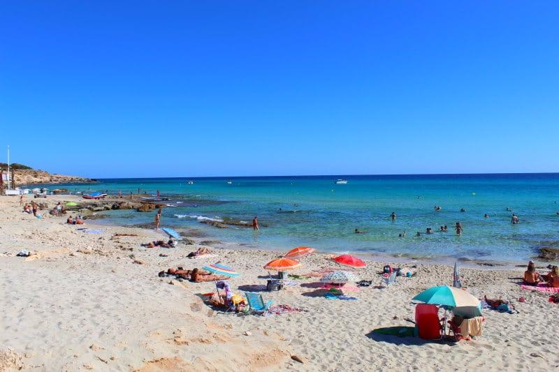 Visita una de las mejores calas de Formentera