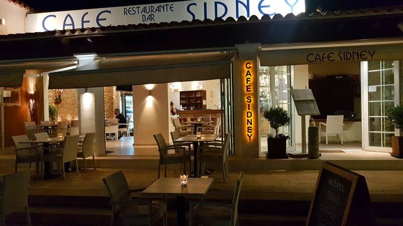 Uno de los restaurantes más populares de Ibiza, Cafe Sidney