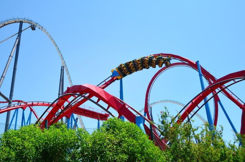 Conoce el Dragon Khan, una de las mejores atracciones de PortAventura Park