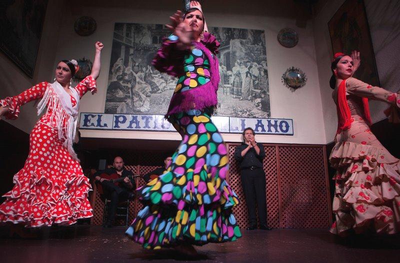 Disfrutar de un espectáculo de flamenco en el Patio Sevillano